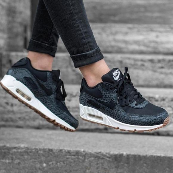 NWT Nike Air Max 90 Premium Black NWT